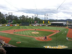 Oregon Baseball takes on Arizona at PK Park, KPNWSports