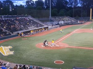 Oregon takes on the Cal Bears in the season ending series at PK Park. KPNWSports