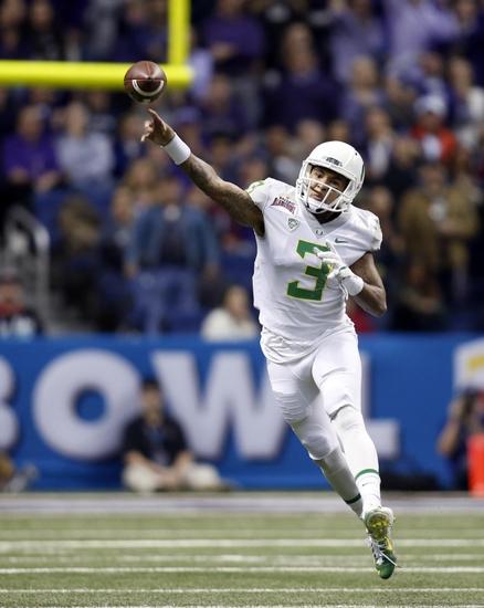 Vernon-adams-ncaa-football-valero-alamo-bowl-oregon-vs-texas-christian