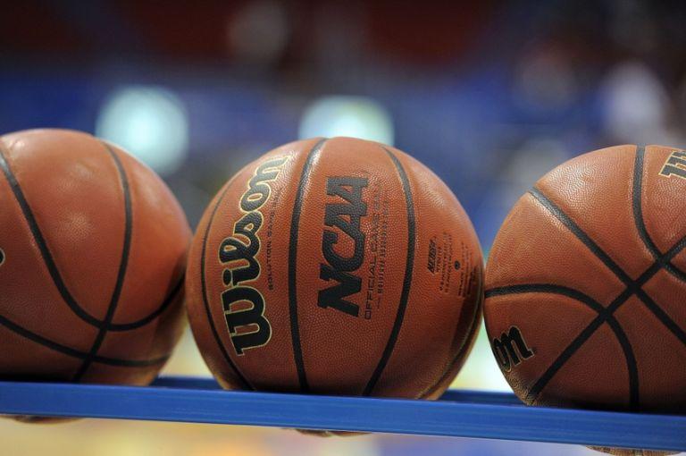 Ncaa-basketball-iowa-state-kansas-768x510