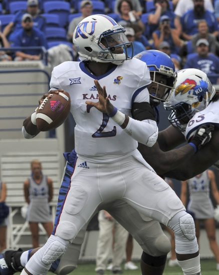 9544746-ncaa-football-kansas-memphis
