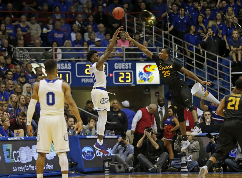 9712262-ncaa-basketball-long-beach-state-kansas