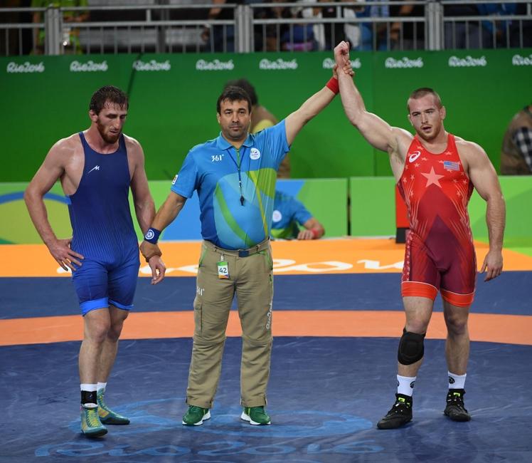 9494435-olympics-wrestling-