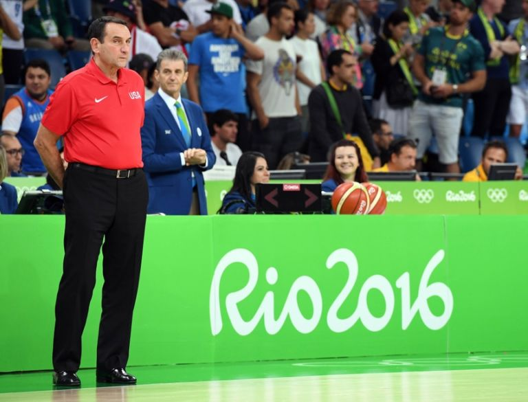 9444370-carmelo-anthony-mike-krzyzewski-olympics-basketball-men-768x585