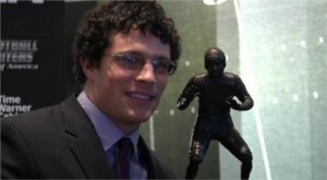 Luke Kuechly Award
