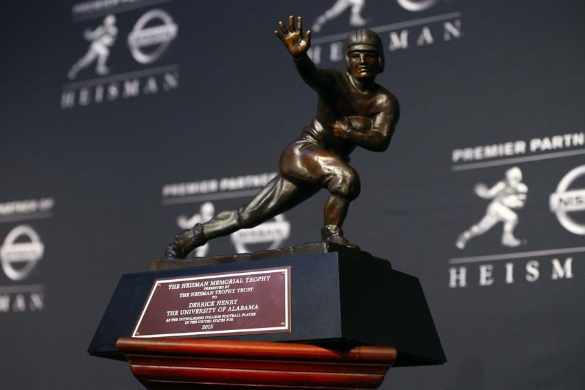 8993594-derrick-henry-ncaa-football-heisman-trophy-presentation