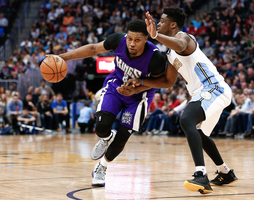 9225915-rudy-gay-emmanuel-mudiay-nba-sacramento-kings-denver-nuggets