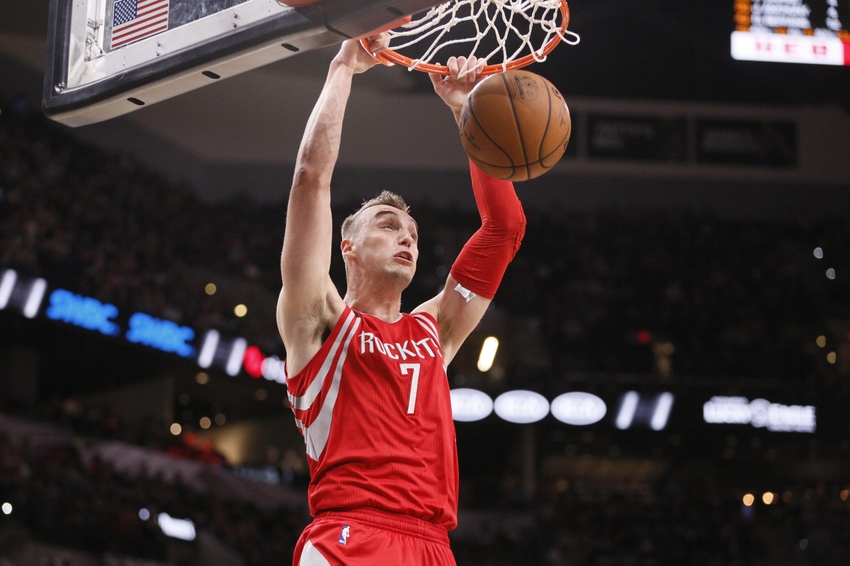 Oct 21, 2016; San Antonio, TX, USA; Houston Rockets small forward Sam Dekker (7) dunks the ball against the San Antonio Spurs during the second half at AT&T Center. Mandatory Credit: Soobum Im-USA TODAY Sports