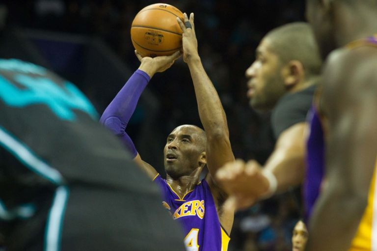 Kobe-bryant-nba-los-angeles-lakers-charlotte-hornets-1-768x0