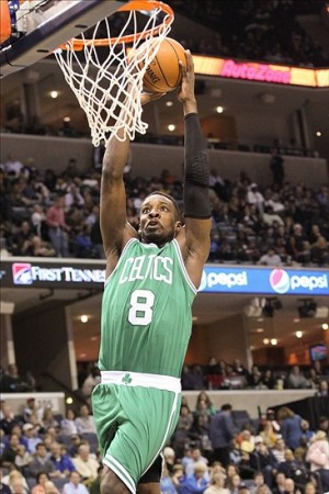 Nov 4, 2013; Memphis, TN, USA; Boston Celtics forward Jeff Green (8) drives to the basket during the first quarter against the Memphis Grizzlies at FedExForum. Mandatory Credit: Nelson Chenault-USA TODAY Sports