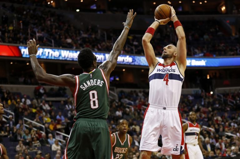 Larry-sanders-marcin-gortat-nba-milwaukee-bucks-washington-wizards-768x511