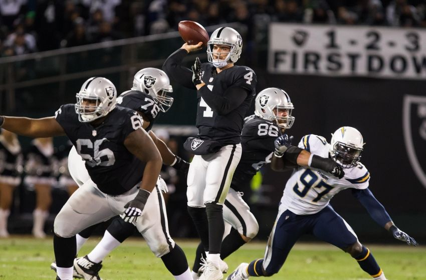 Derek Carr to Replace Aaron Rodgers at 2016 NFL Pro Bowl