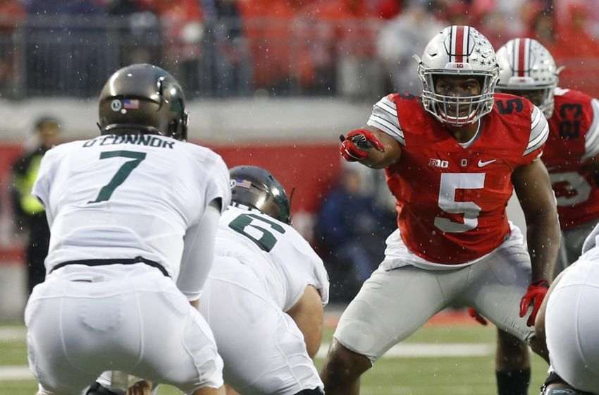 Nov 21, 2015; Columbus, OH, USA; Ohio State Buckeyes linebacker Raekwon McMillan (5) lines up against the Michigan State Spartans at Ohio Stadium. Mandatory Credit: Geoff Burke-USA TODAY Sports
