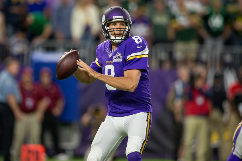 9557293-sam-bradford-nfl-green-bay-packers-minnesota-vikings