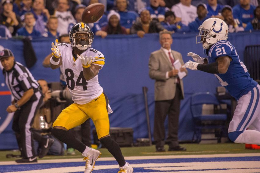 9701030-antonio-brown-vontae-davis-nfl-pittsburgh-steelers-indianapolis-colts