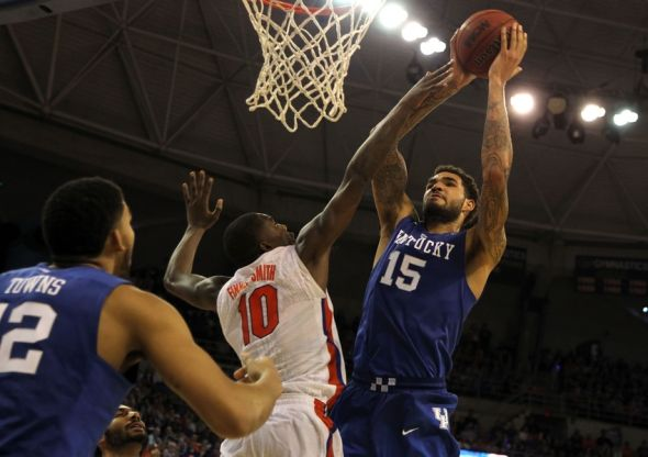 Uk Basketball: Kentucky Wildcats' Cauley Stein Posterizes Florida (w/video