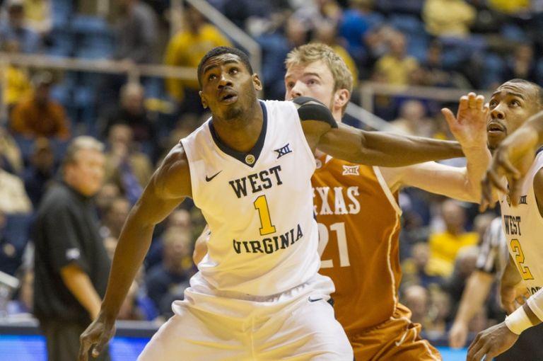Jonathan-holton-connor-lammert-ncaa-basketball-texas-west-virginia-1-768x0