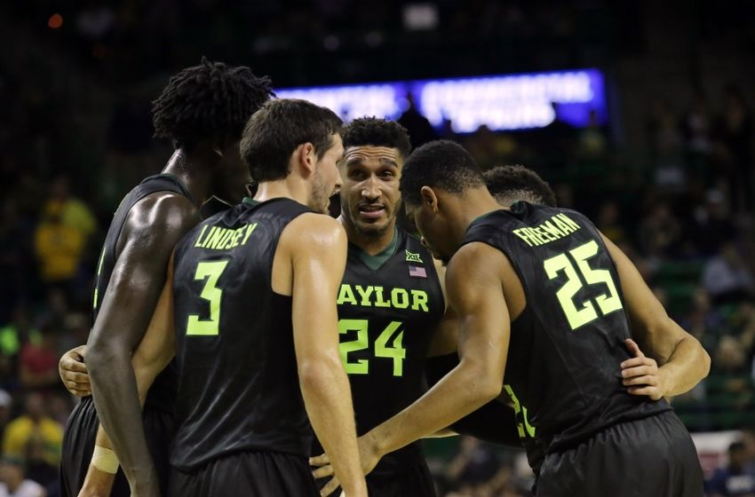 Dec 3, 2016; Waco, TX, USA; Baylor Bears huddle together during the second half while playing against Xavier Musketeers at Ferrell Center. Mandatory Credit: Sean Pokorny-USA TODAY Sports