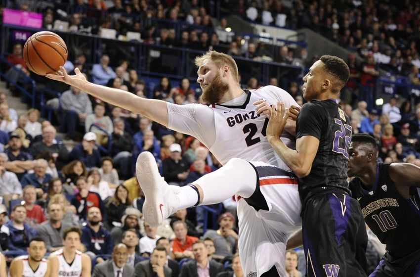 Przemek Karnowski is more than a big body, he also has grace for the Bulldogs. (Photo courtesy of bustingbrackets.com)