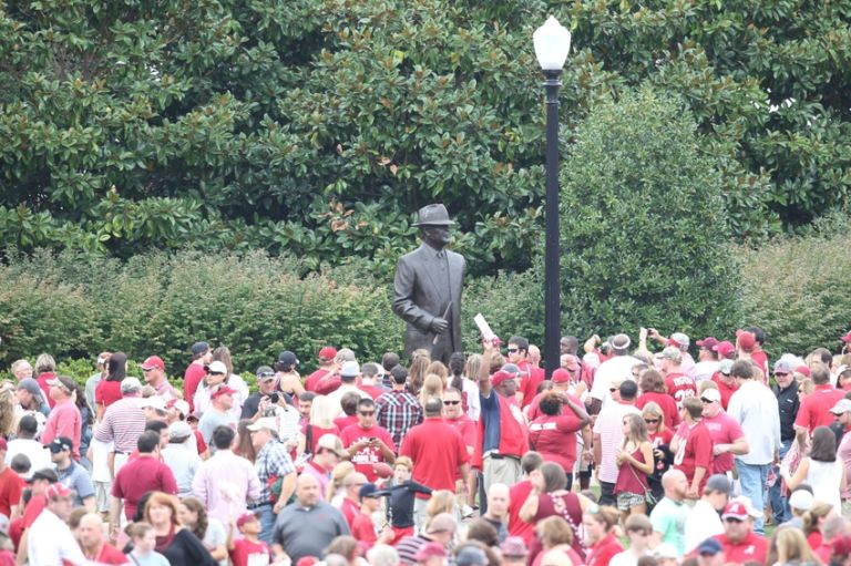 Paul-bear-bryant-ncaa-football-southern-mississippi-alabama-768x511
