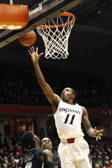 Gary Clark Steal And Two Hand Jam: Video
