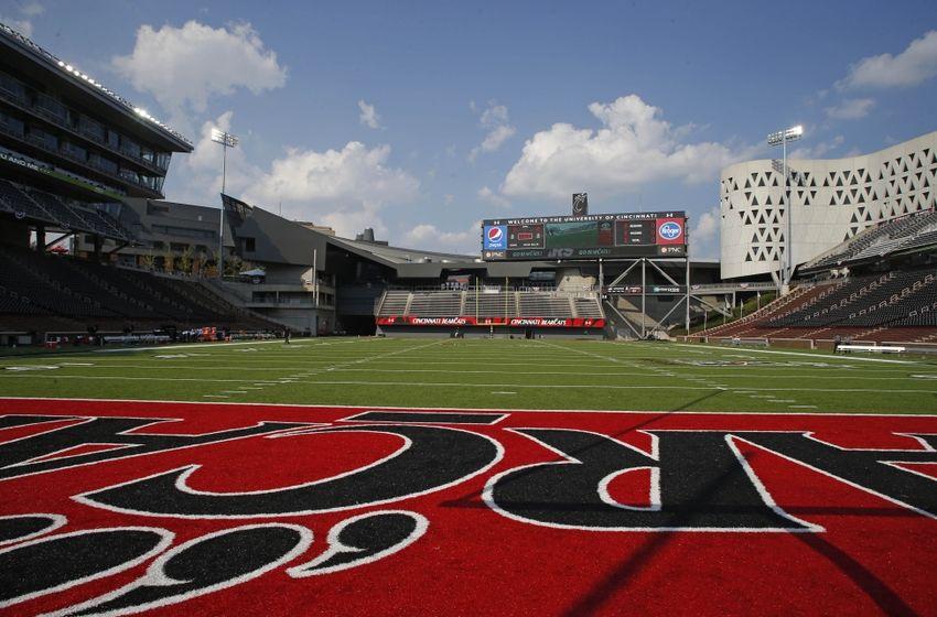 Cincinnati Bearcats Unveil New Field Turf For 2016 Season
