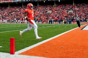 Nov 16, 2013; Champaign, IL, USA; Illinois Fighting Illini defensive back V