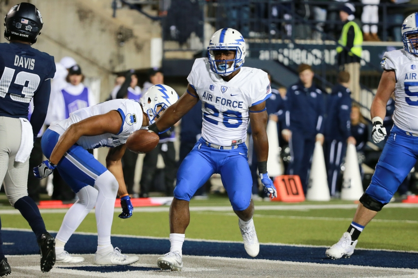 9563745-ncaa-football-air-force-utah-state