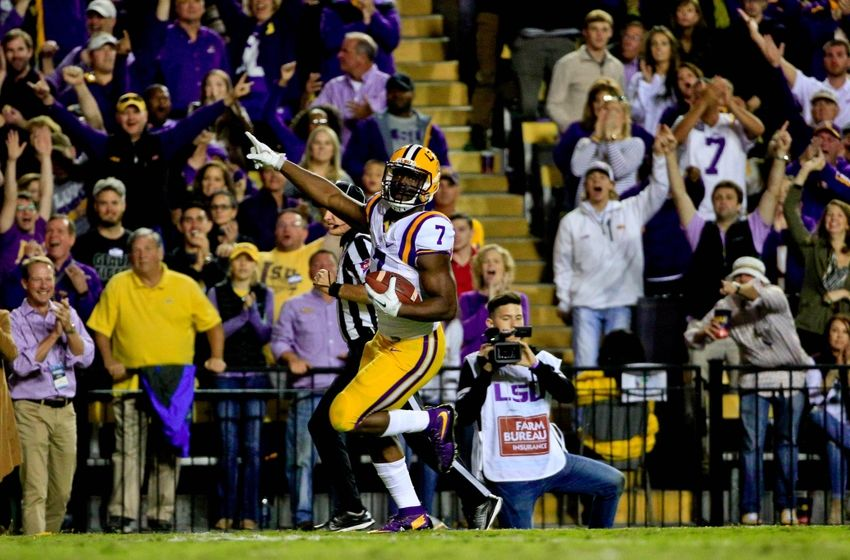 Oct 22, 2016; Baton Rouge, LA, USA; LSU Tigers running back Leonard Fournette (7) breaks loose for a touchdown run against the Mississippi Rebels during the third quarter of a game at Tiger Stadium. Mandatory Credit: Derick E. Hingle-USA TODAY Sports