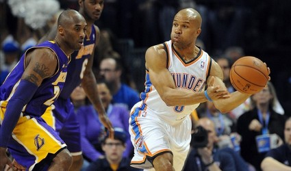 Derek Fisher Plays Big as Los Angeles Lakers Drop Below .500 Against Thunder