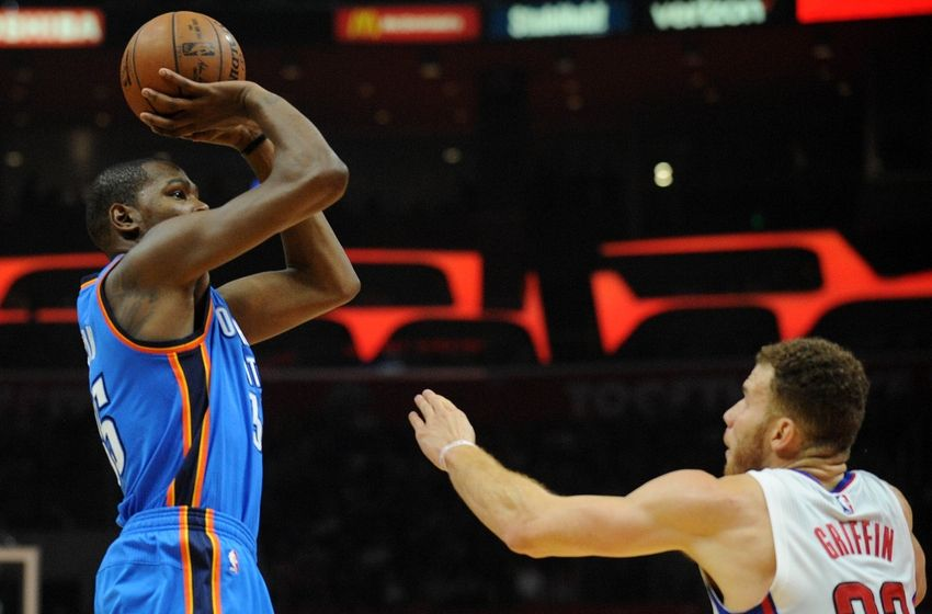 Steven Adams with massive alley-oop as Oklahoma City Thunder win big