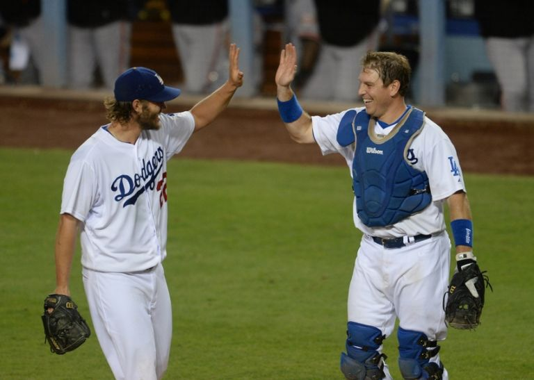 Clayton-kershaw-a.j.-ellis-mlb-san-francisco-giants-los-angeles-dodgers-768x0