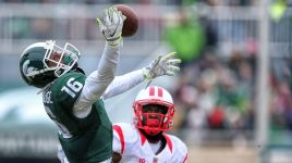 Michigan State Spartans roll past Rutgers 45-3