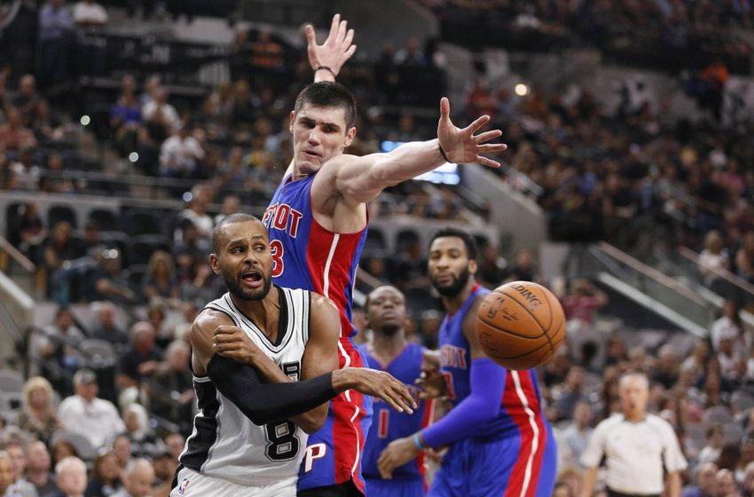 Spurs continue hot streak, top Pistons 109-99
