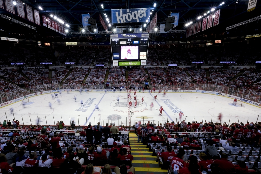 9256653-nhl-stanley-cup-playoffs-tampa-bay-lightning-detroit-red-wings