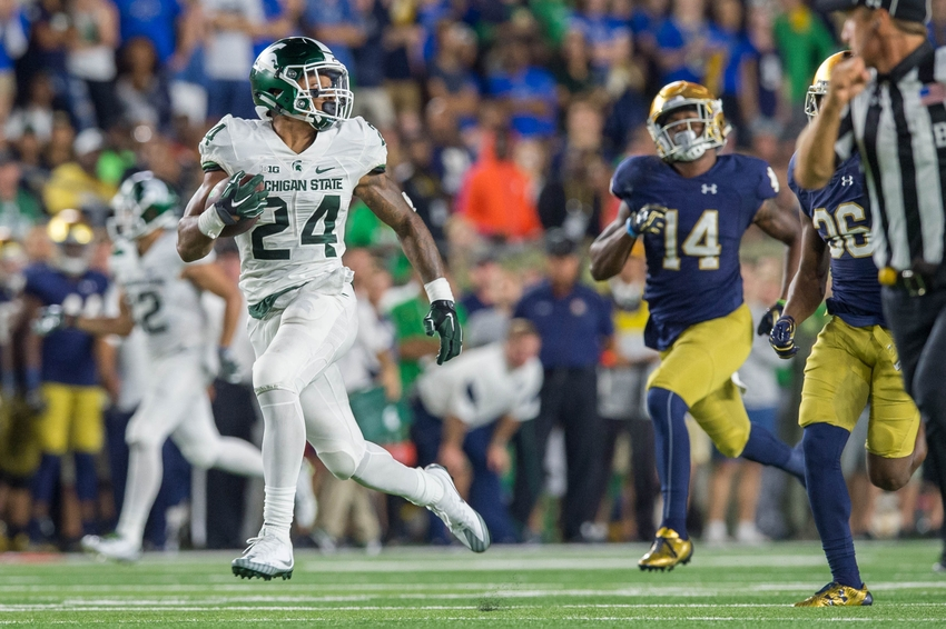 9547663-ncaa-football-michigan-state-notre-dame