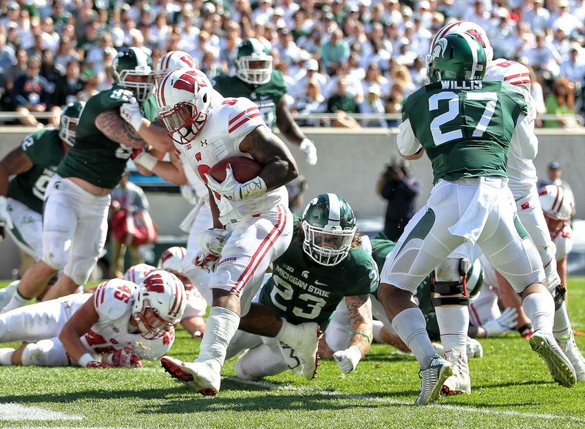 9560651-corey-clement-ncaa-football-wisconsin-michigan-state