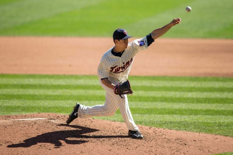 Tommy-milone-mlb-kansas-city-royals-minnesota-twins-768x0
