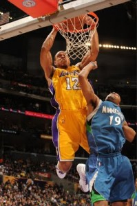 Shannon Brown Dunks On Wayne Ellington