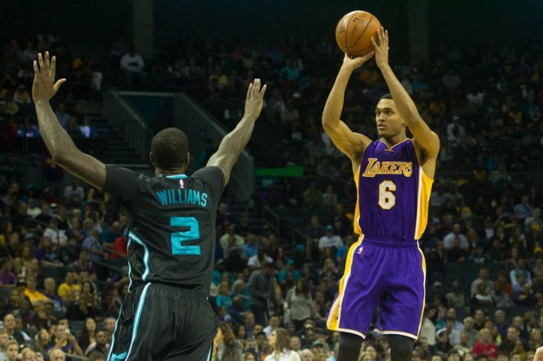 Jordan-clarkson-marvin-williams-nba-los-angeles-lakers-charlotte-hornets-768x0