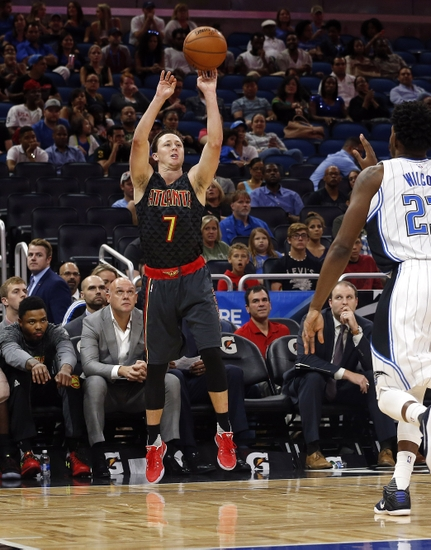 Oct 16, 2016; Orlando, FL, USA; Atlanta Hawks guard Josh Magette (7) shoots the ball against the Orlando Magic during the second half at Amway Center. The Hawks won 105-98. Mandatory Credit: Kim Klement-USA TODAY Sports