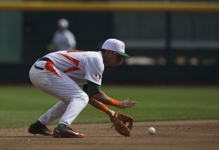 Brandon-lopez-ncaa-baseball-college-world-series-arkansas-vs-miami-768x527