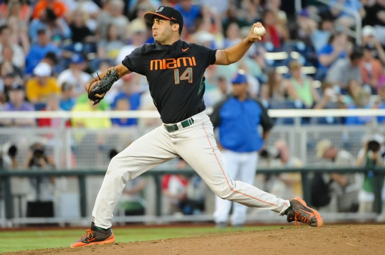 Danny-garcia-ncaa-baseball-college-world-series-florida-vs-miami-768x510