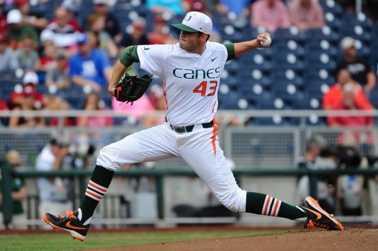 Ncaa-baseball-college-world-series-arkansas-vs-miami-768x510