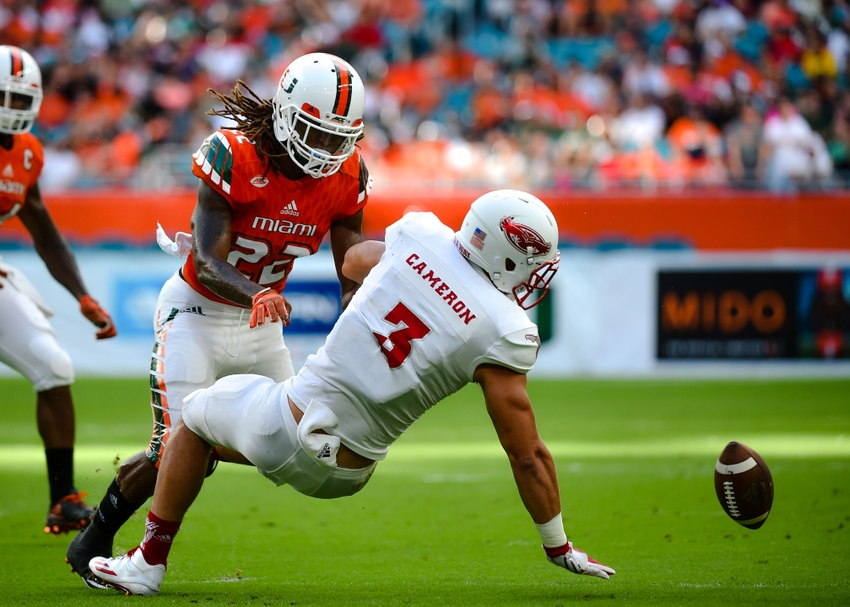 9532545-ncaa-football-florida-atlantic-miami