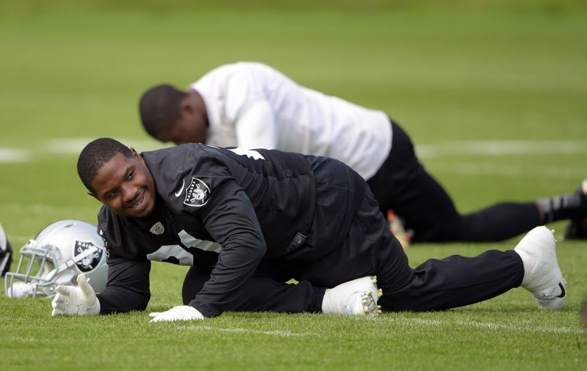 Maurice-jones-drew-pennyhill-park-hotel-nfl-international-series-oakland-raiders-practice-850x537