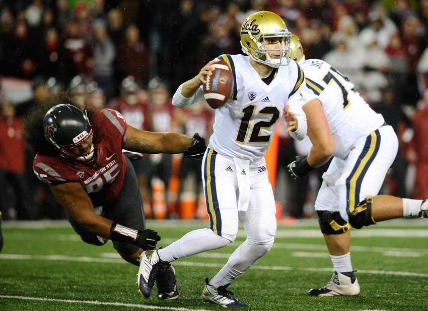 9620627-ncaa-football-ucla-washington-state
