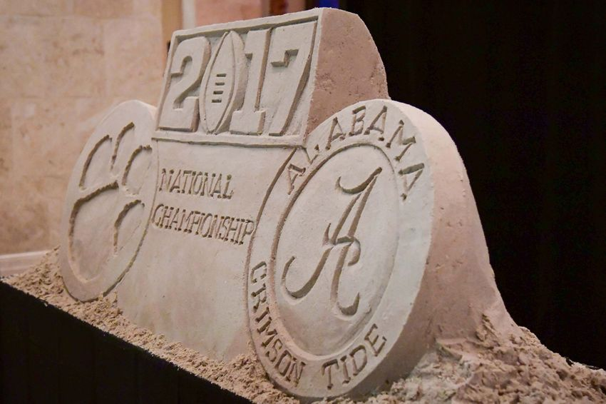 9795826-ncaa-football-cfp-national-championship-features