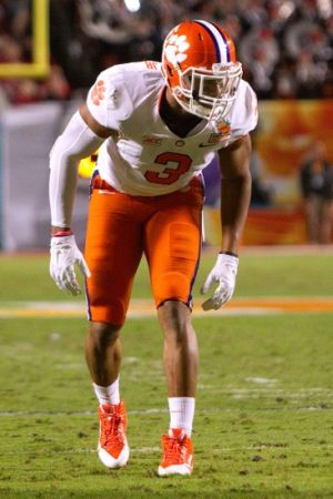 Jan 3, 2014; Miami Gardens, FL, USA; Clemson Tigers defensive end Vic Beasley (3) during the first half in the 2014 Orange Bowl college football game against the Ohio State Buckeyes at Sun Life Stadium. Mandatory Credit: Joshua S. Kelly-USA TODAY Sports