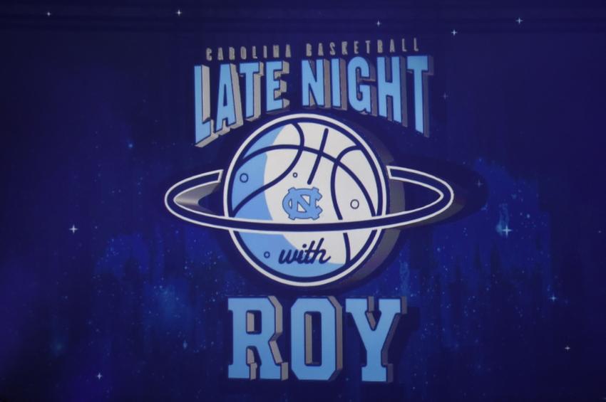 8879782-roy-williams-ncaa-basketball-north-carolina-late-night-with-roy
